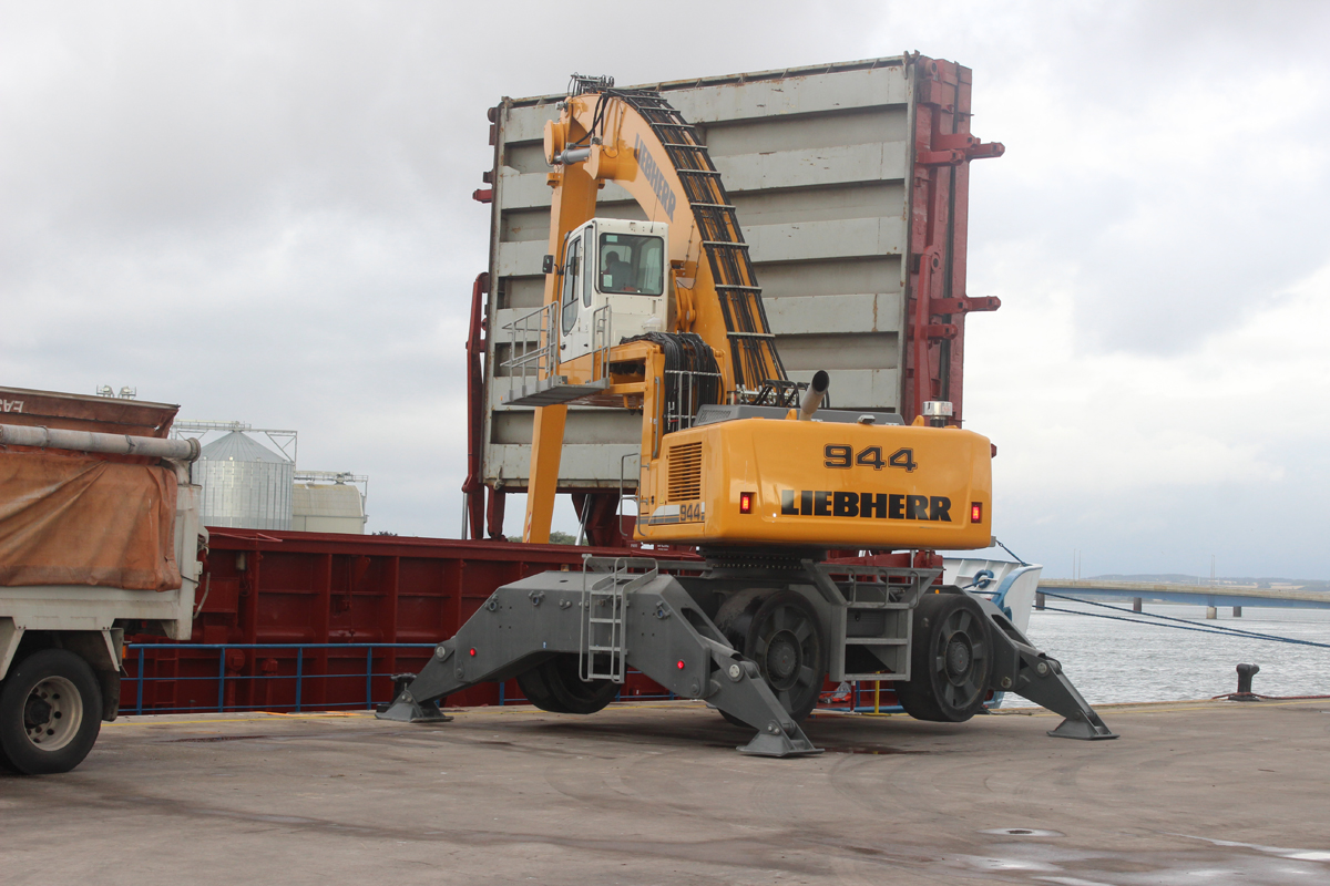 Rix Shipping Stevedore services Port of Montrose
